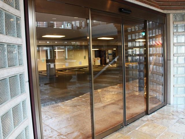 подземная парковка главного офиса Макдональдс
