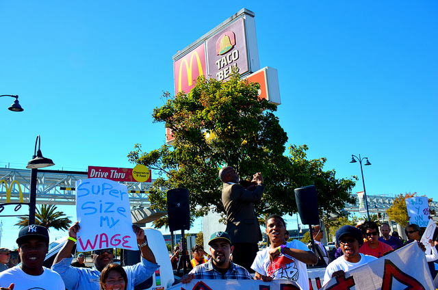 Работники фаст фуд США планируют крупнейшую забастовку